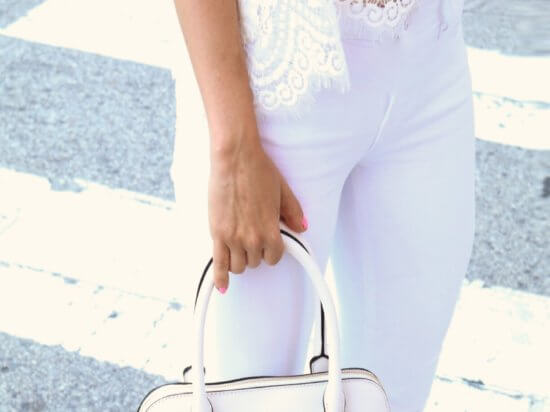 IMG_diner-en-blanc-philadelphia-all-white-kate-spade-handbag-jbrand-jeans-white-crop-top-philly-blogger_what-to-wear