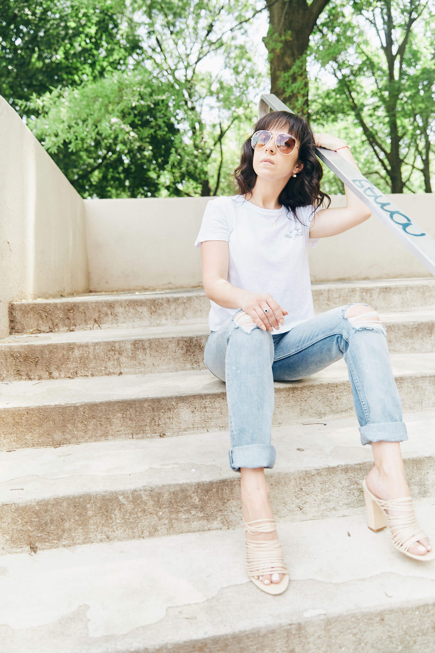 Simplest September outfit, jeans and perfect t-shirt crop white tee