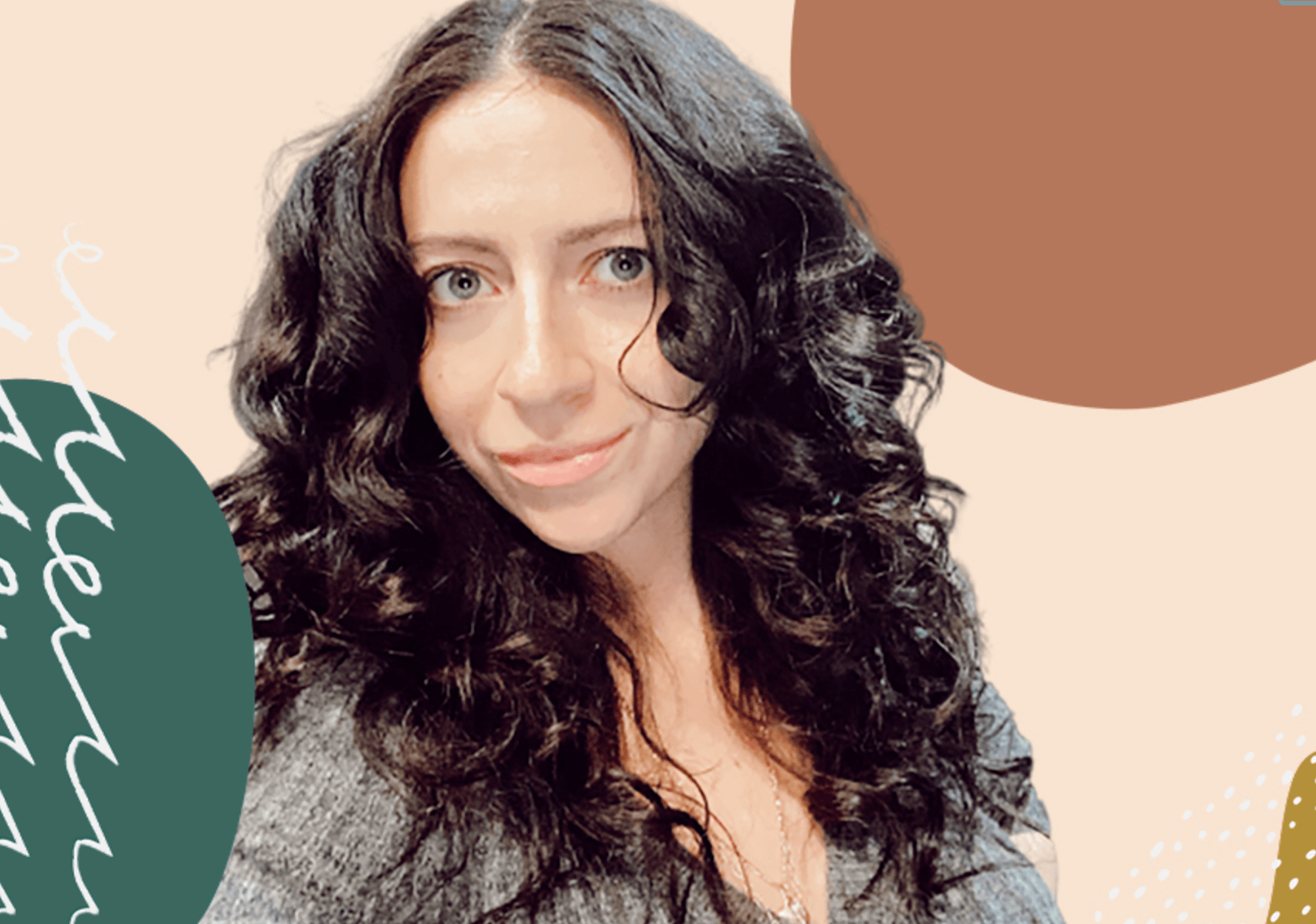 Hello Giggles, How to achieve the deconstructed curly girl look in 10 easy steps, according to experts